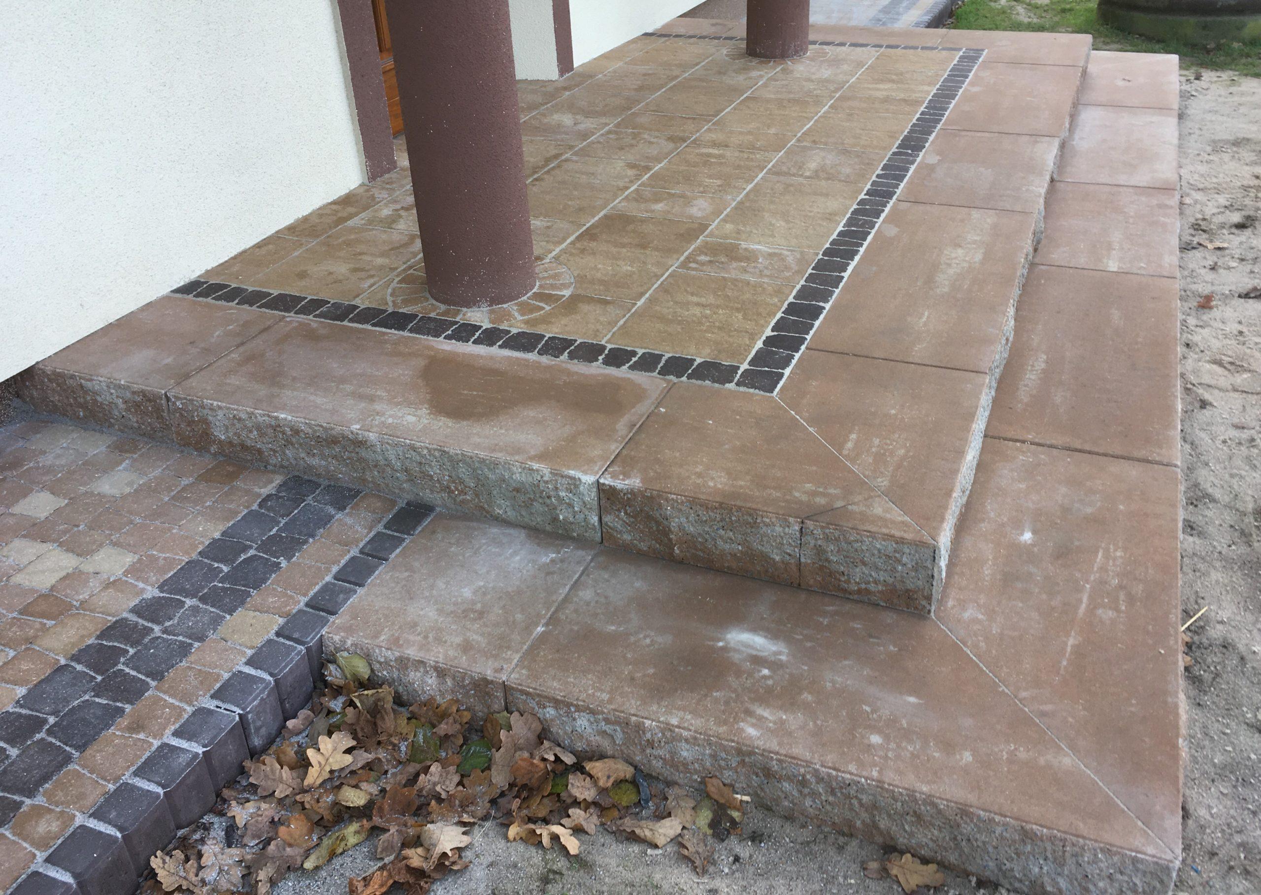 stopnie schodowe na ganek, bloki schodowe, semmelrock, polbruk, stopnie łamane kostka imola libet kolor piaskowy