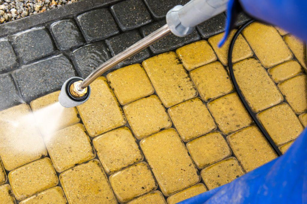 mycie kostki brukowej